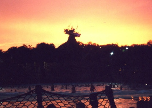 disney lagoon sunset